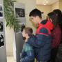 """Ђаци Школе """"20. октобар"""" посетили изложбу ратних фотографија"""